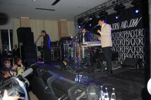 Peter, Bjorn, & John performing.