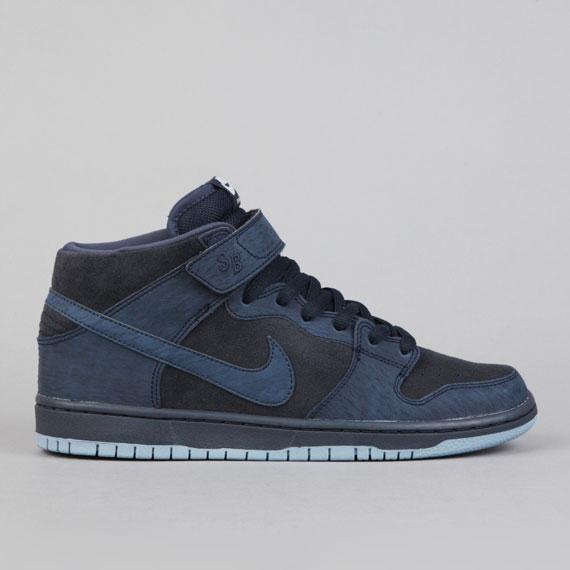 sports shoes 2baa2 8c6cb Shoe Game  Nike SB Dunk Mid Pro   DARK OBSIDIAN THUNDER BLACK WORK ...